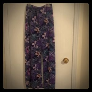 3/22$ Dynamite open front floral skirt